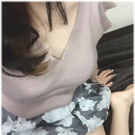 ーユアー新人【美脚☆スレンダー】