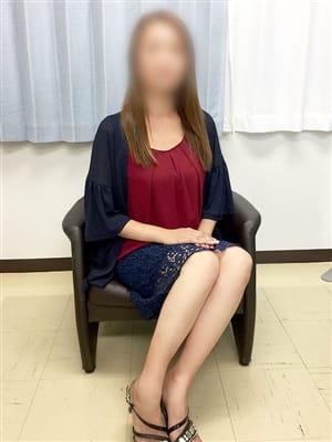 なみ【スレンダー巨乳若奥様】