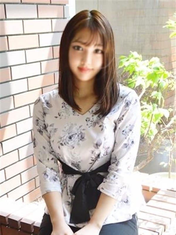 ろえ(現役女子大生コレクション)のプロフ写真1枚目