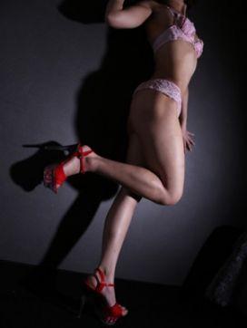 るる|pink-desire(ピンクデザイアー)で評判の女の子