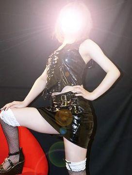 イズミ|小山性感マル秘クラブで評判の女の子