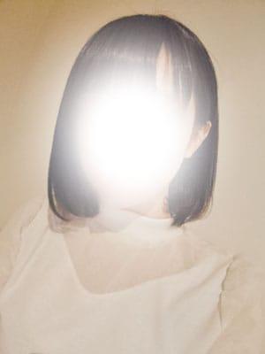 新人リカ【圧倒的な輝きを放つ美少女。】