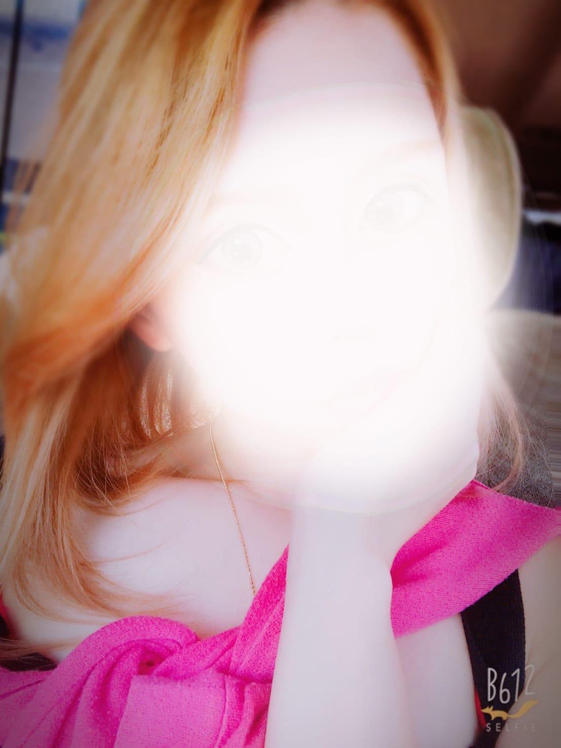 るい【純白の美肌にキレカワ系ルックス】