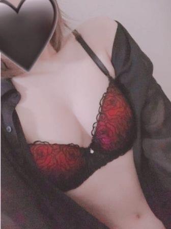 「出勤♡」12/03(木) 18:33 | 業界未経験☆ななの写メ・風俗動画