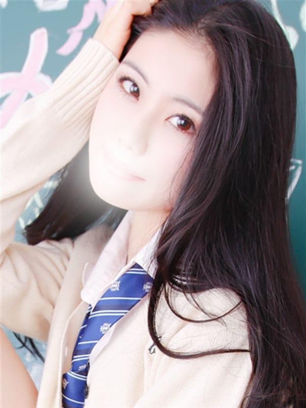うみ【黒髪清純派美少女‼】