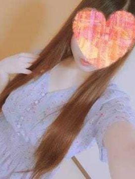 しおり ~手コキ専門店~手コKingで評判の女の子