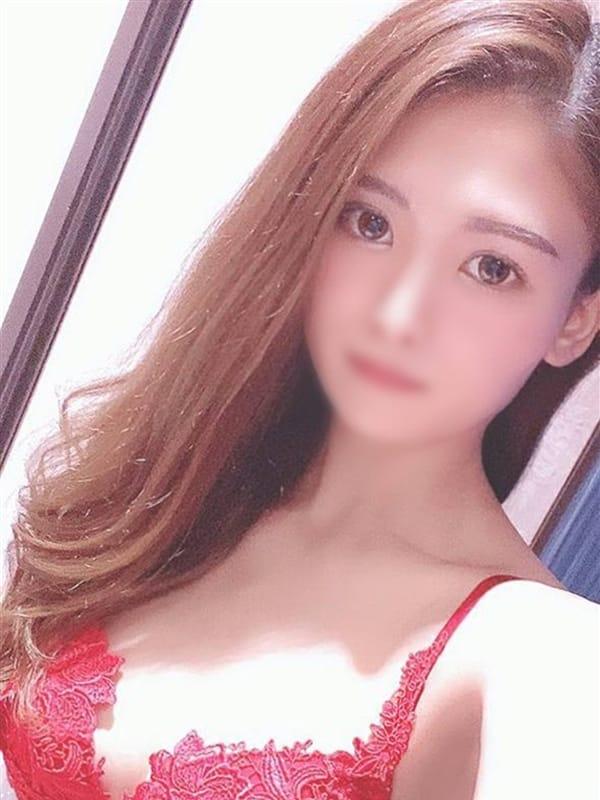 鳳凰 すざく【癒し系エロス美女】