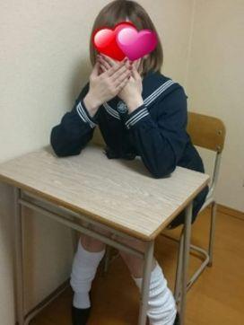 まみ|3年Dカップ組フェ○チオ先生で評判の女の子