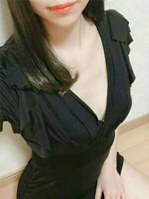 高槻 美玲