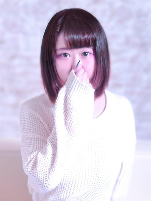 えいる【妹系Fカップ美少女!】