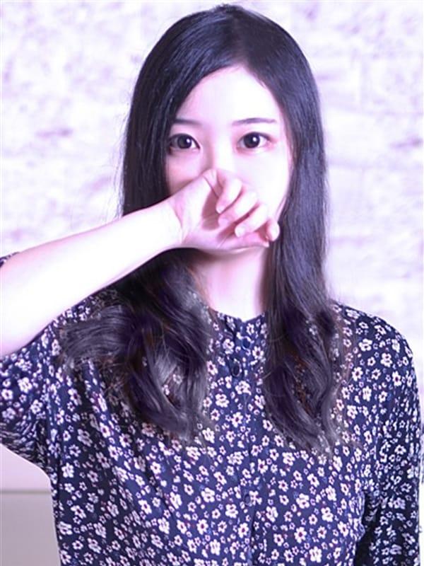 りんりん【清楚なスレンダー美女】
