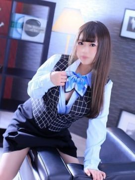 遠藤 なるみ(秘書課)|ほんとはエッチなオフィスレディで評判の女の子