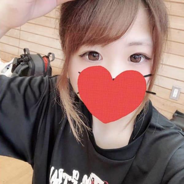 ひな【愛嬌タップリ激カワ新人ちゃん】