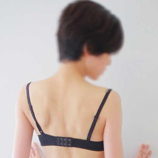 れみ【スレンダー奥様】 | 淫らに悶えるいいなり妻(日本橋・千日前)