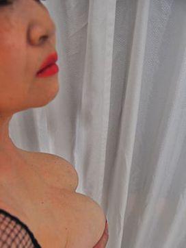 赤川|巨乳熟女で評判の女の子
