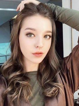 桜木 ララ|ハーフレジェンド ファーストで評判の女の子