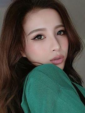 赤坂 レイ|ハーフレジェンド ファーストで評判の女の子