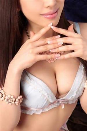 依乃莉【某大手証券会社の元受付嬢】