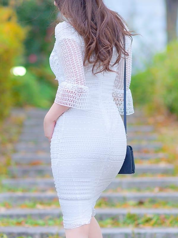 星野 しぐれ【心の美しさも魅力的な人妻です。】
