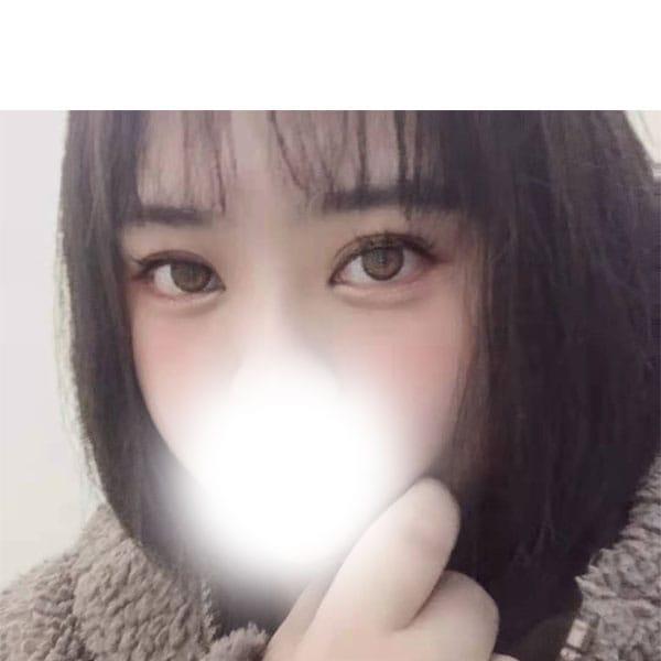 しおん【ミクロ系の巨乳若妻!!】