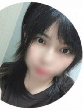 ひとみ|CLで評判の女の子