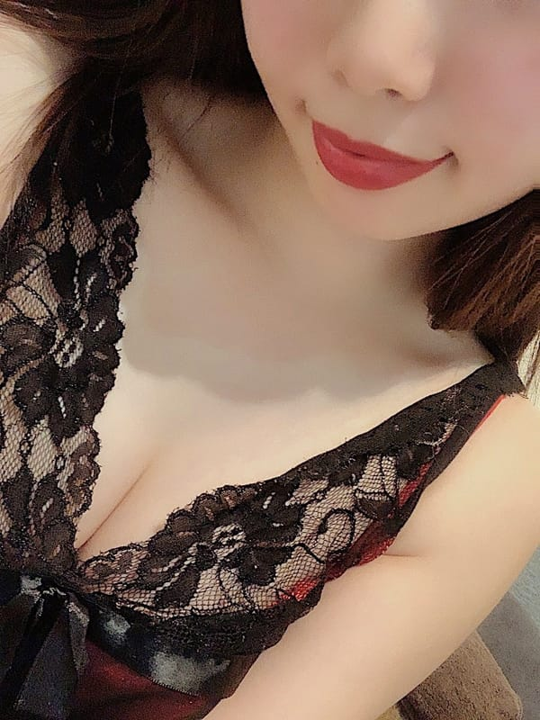 広瀬エミリ