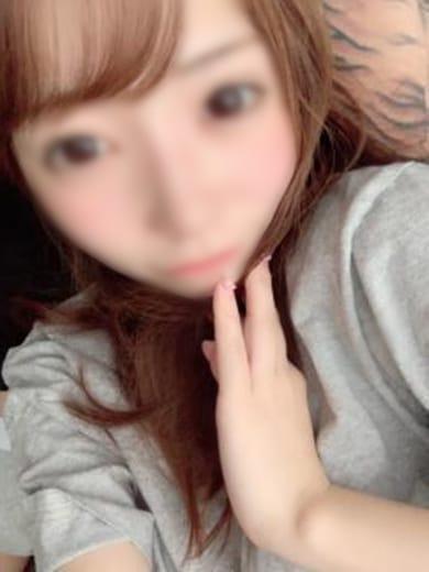 ゆうな【華やかオーラFカップ美少女】