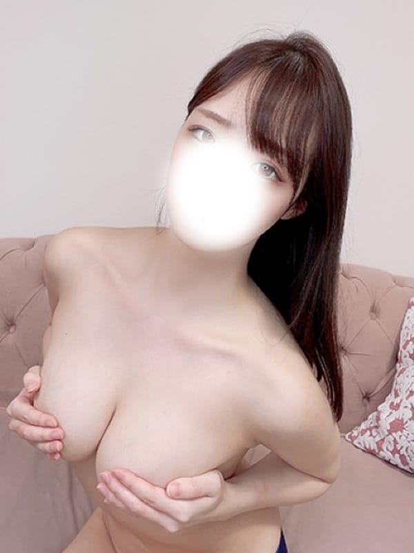ふたば★色白清楚で愛嬌抜群★【癒し系の巨乳ちゃん♪】