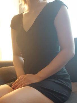 上野しゅり|リラクゼーションサロン和華で評判の女の子