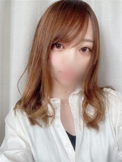 りお|手コキ研究所 大阪店でおすすめの女の子