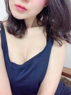 愛沢 ゆあ|極美(キワミ)でおすすめの女の子