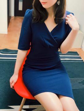あき|ミセスムーンR大阪店で評判の女の子