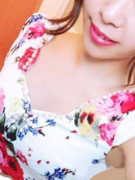 ナナ|Tokyoスタイルで評判の女の子