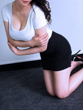 藤井せりな|中目黒風俗で今すぐ遊べる女の子