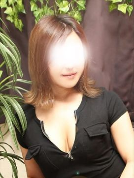 成海 優花|レインズラプトで評判の女の子