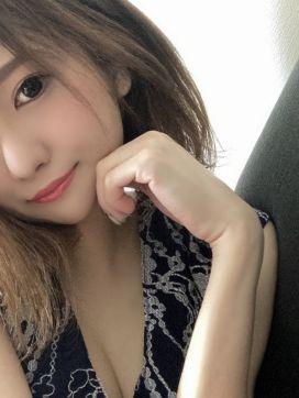 環りえ|輝きで評判の女の子