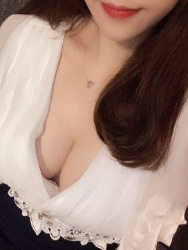 黒崎あい|輝きで評判の女の子