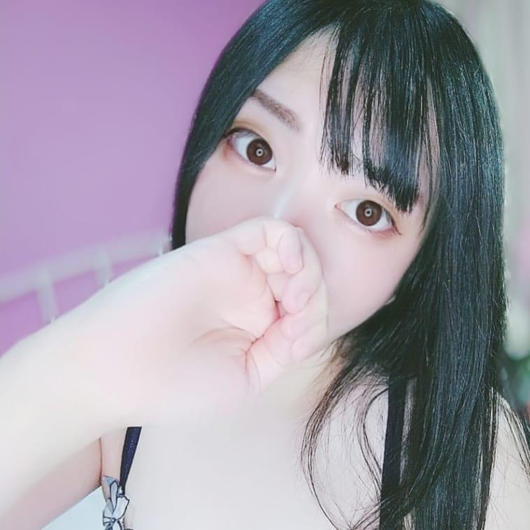 みさき『黒髪清楚な美女』