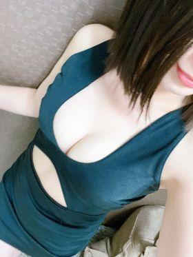 米沢 りょう|大阪府風俗で今すぐ遊べる女の子
