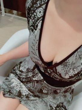真里菜|Mrs Crystal~ミセスクリスタル~で評判の女の子