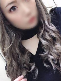 れん【潮吹きまくりギャル!!】 わいせつ倶楽部 神戸西店でおすすめの女の子