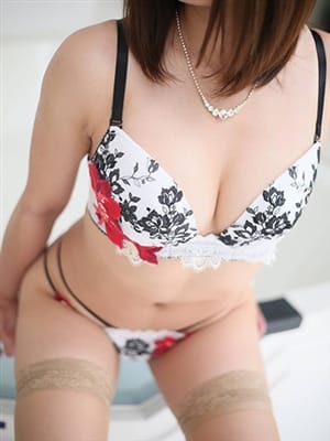 桃瀬 紗夜(高級人妻デリバリーヘルス GOLD RING)のプロフ写真6枚目