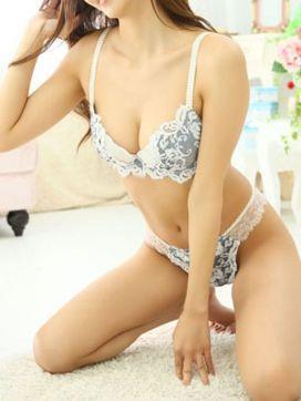 新垣ひかる|THE CLUB YOKOHAMAで評判の女の子