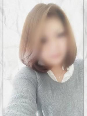 赤坂静香(アカサカ シズカ)