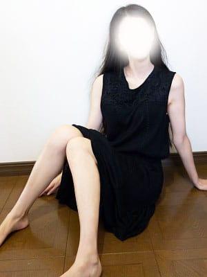 さつき【黒髪ロングの妖艶美人】