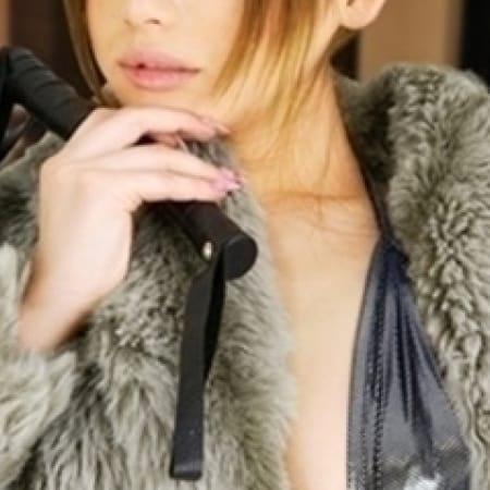 「M男には容赦なく愛のムチを振り回す性のスパルタ教師系S女」10/24(火) 06:48 | 変態の館のお得なニュース