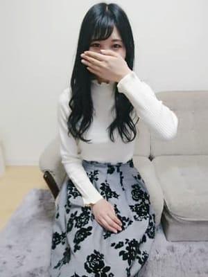 みみ【業界未経験黒髪清楚系】
