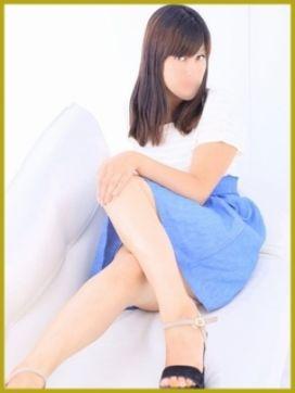 秋吉|幕張新妻コレクションで評判の女の子