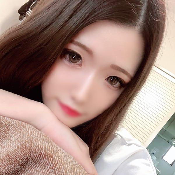 める【パイパン色白美女♡】