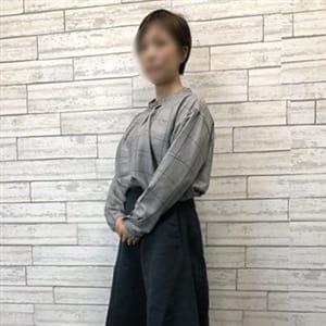 あゆな | 熟女家 梅田店 - 梅田風俗